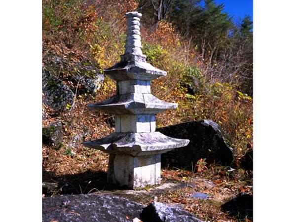 금대사 삼층 석탑